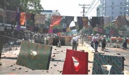 মিয়ানমারে আরও রক্তপাত, ধর্মঘটে অচল অর্থনীতি